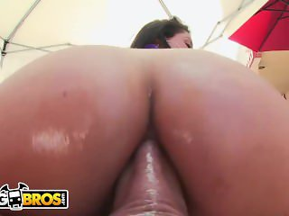 BANGBROS - A Very Anal Afternoon with PAWG Jynx Maze on Ass Parade