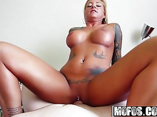 Mofos - I Know That Girl - Britney Shannon - Jizz on My Tats