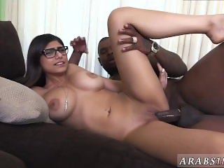 Mature brunette big boobs Mia Khalifa Tries