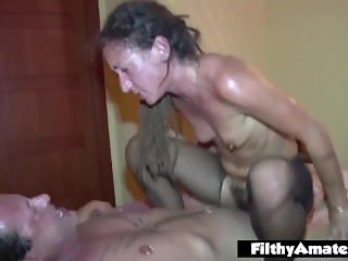 Anal lover eat the pussy hairy! DP passion for the milfs!