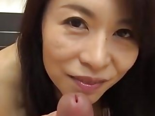 Lovely MILF Cocksucker