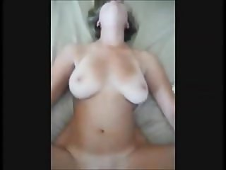 Amateur hot wife on real homemade