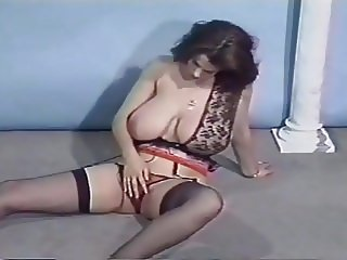 Nilli Willis strips and plays 1
