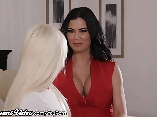 Elsa Jean's Kissing Lesson from Brit Stepmom Jasmine Jae!