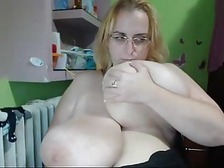 On WebCam 1536