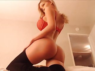 Hot Blonde Camgirl