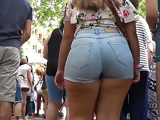 GluteusDivinus - Asses everywhere