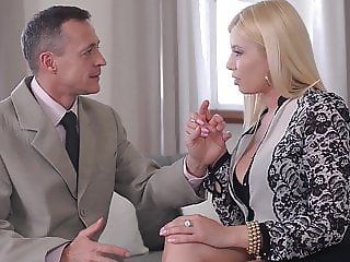 Delicious blondie Christen Courtney DPed to the Xtreme unti