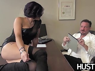 Seductive MILF Ryder Skye throated before passionate fucking
