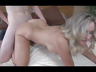 Banging hot blonde Mom