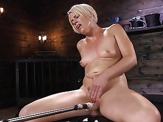 Fit Blonde MILF Has Mind Blowing Orgasms