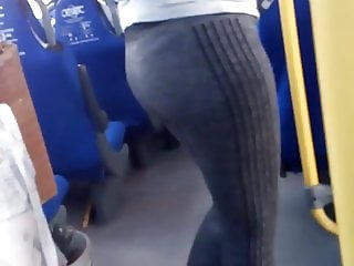 BUEN CULO EN PANTS MOM BUS 1