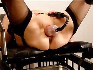 Hot pumping slave pussy