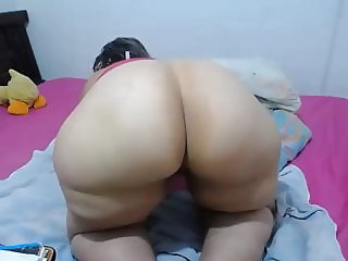 Big Butt MILF Granny on the Prowl