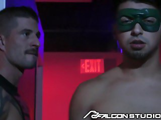 FalconStudios Big Dick Muscle Hunk Daddy Fulfills His Fantasy