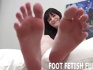 I need a man who loves sucking my toes