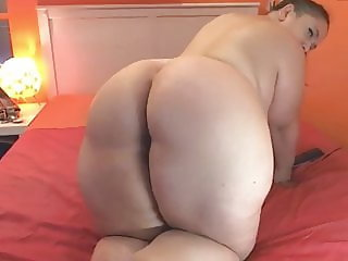 STACKED Natural bbw with huge ass and tits 2