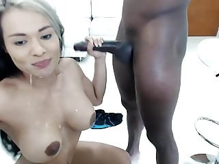 Deepthroat a huge monster black cock by an latina girl