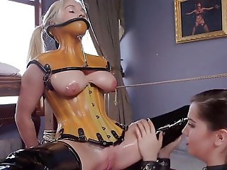 Bounded for Pussy-Licking