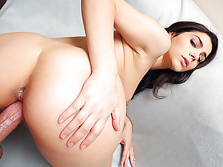 PropertySex - Hot Italian tourist fucks her male host