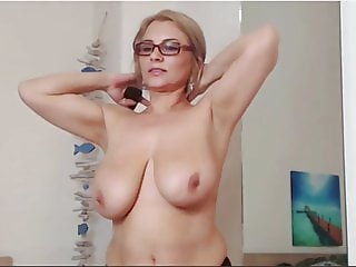 Rare milf nude private cam strip