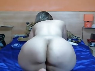 Blonde Spanish PAWG On Webcam