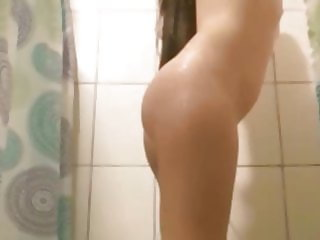 Spying daughter in the shower