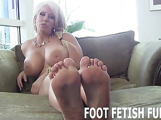 I need a dedicated slave who will worship my feet