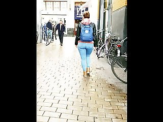 jeans ass walking