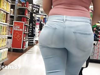 Curvy Latina Milf in Light Blue Jeans