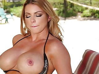 Busty American dream Milf Brooklyn Chase rides veiny dick in