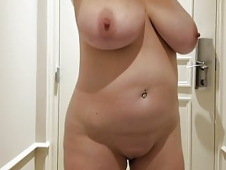 Lateshay bald pussy and big tits