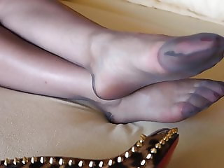 Feet in Nylon - Video 32