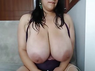 colombian women mild with a huge boobs