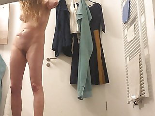 Hiddencam after shower