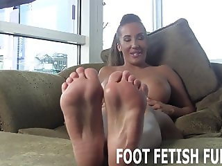 Let me show off my perfect feet for you