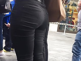 Candid Walk 45 - Tight Black Jeans