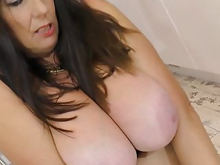 Busty booty mature MOM Lulu with hungry vagina
