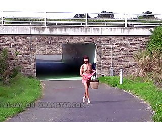 Flashing in Public 03