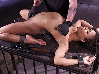 Kira Noir vs The Pope