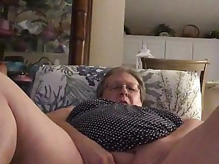 Bbw granny plays and squirts