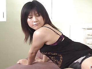 Kyoka Mizusawa gets the strong - More at Pissjp.com