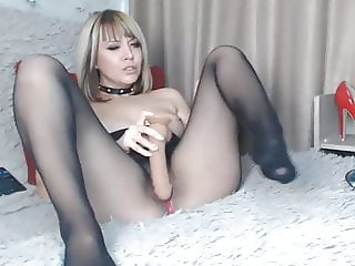 blond masturbate in seamless pantyhose