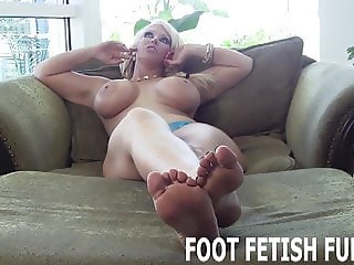 I need a slave boy to worship my feet