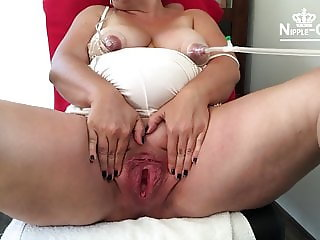 HUGE PREGNANT MILF PUSSY