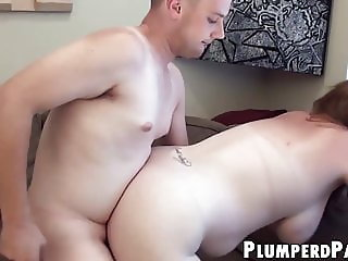 Plump babe with glasses demonstrates her amazing fuck skills