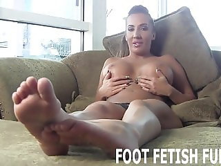I will let you play with my amazingly sexy feet