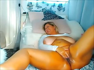 Blonde thick Pawg masturbates on Cam - 2