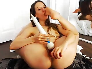 Flexible RC sucks her toes while dildoing...