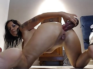 Many dildos up her ass till Squirt